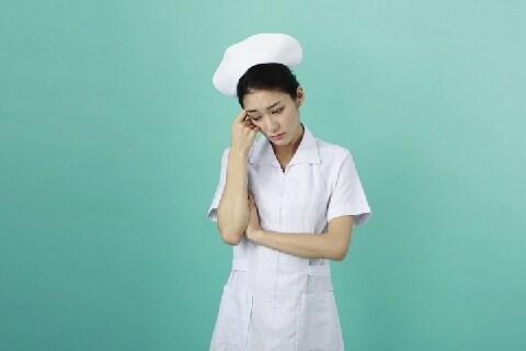 「デブだと男がよってこないぞ」看護師にセクハラ発言の「高齢患者」病院は拒めるか?