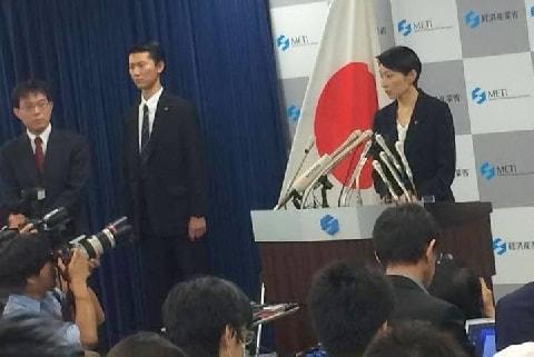 小渕優子氏本人の「法的責任」はどうなるのか――資金管理団体の「架空寄付」疑惑