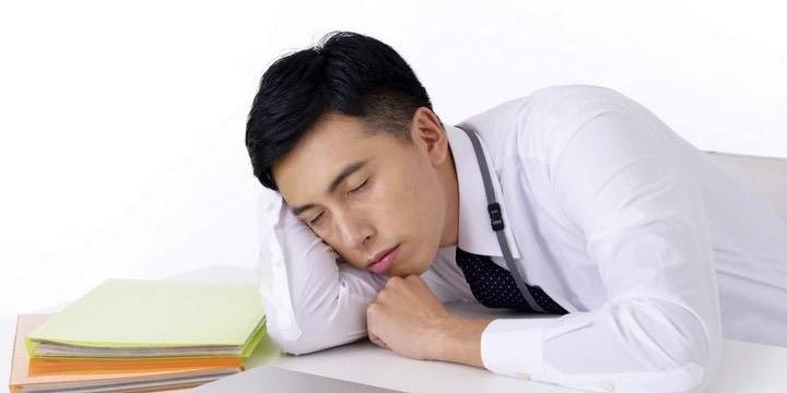 「昼寝が大事。来客無視して寝たい」 社員に「仮眠部屋」を求める権利はあるか?