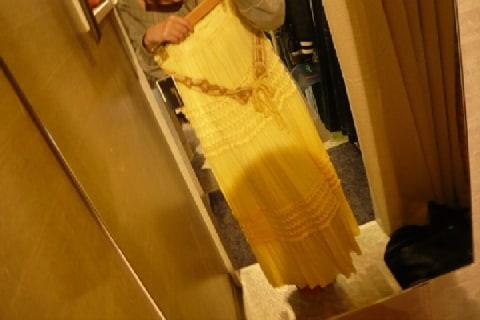 洋服の試着ブースに置かれた「細くみえる鏡」実物よりスッキリ見せるのは問題ないの?
