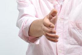 中高生アイドルの「握手会」は現代版「女工哀史」ではないか?