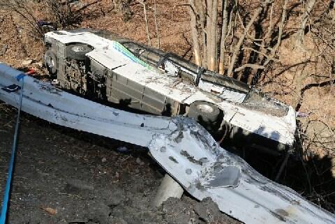 スキーバス転落事故で多数の死傷者ーー賠償責任は誰が、どのように負うのか?