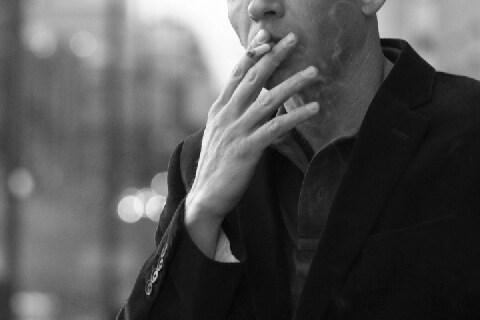 喫煙シーンのある映画「成人指定に」WHOが勧告 「表現の自由」の侵害ではないか?