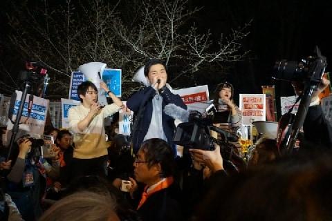「集団的自衛権はいらない!」SEALDsらが国会前でコール~安保法施行の日