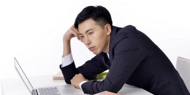 従業員「ネット私的利用」で米国企業は10兆円弱のコスト、日本の職場のルールは?