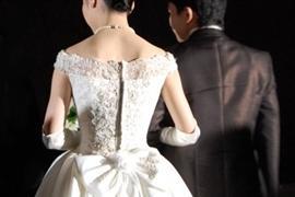 名作映画『卒業』の「花嫁つれ去り」 残された「新郎」は損害賠償請求できる?