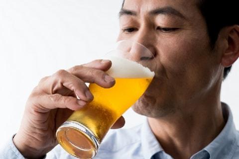 「酒の過度な安売り」法律で規制へ…なぜ国が価格設定に口出しできるのか?