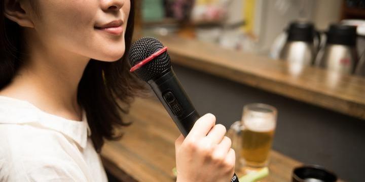 飲食店「生演奏・カラオケ」で音楽無断利用、JASRACが提訴…歌った客の責任は?
