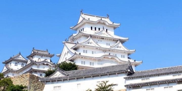 世界遺産・姫路城の大天守に「ドローン」衝突、どんな罪に問われる?