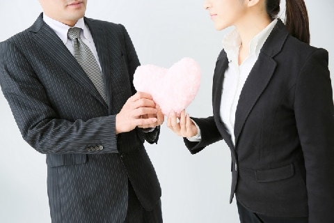 テレ朝アナ「職場不倫」発覚…同僚の「秘め事」を知ったらどうしたらいい?