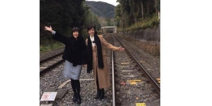 まだ16だから? 松本伊代さん線路内で写真撮影し謝罪…どんな罪になるのか