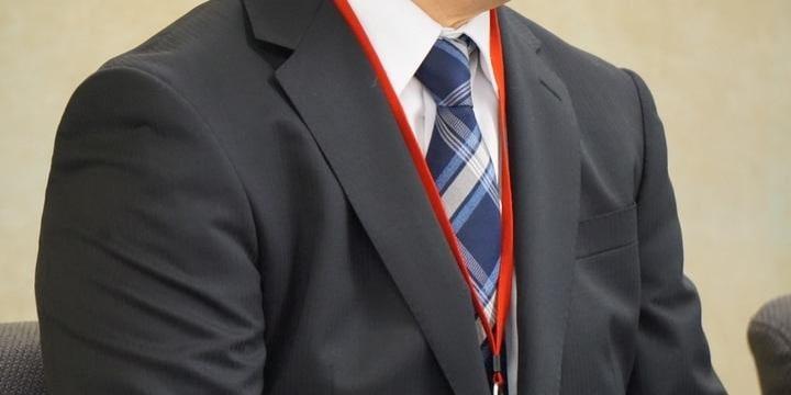 勤続30年超の部長「転籍」拒否で降格、工場で肉体労働…労働審判「元の部署に」