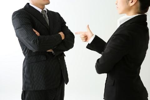従業員が作った文書を経営者が「勝手に」個人名で出版…「職務著作」になるの?