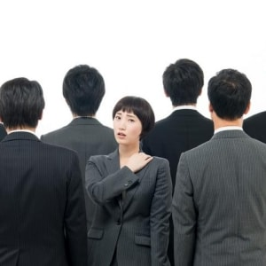 退職時に「同僚と連絡禁止」命令、LINEもブロック…会社にそこまでの権限はある?