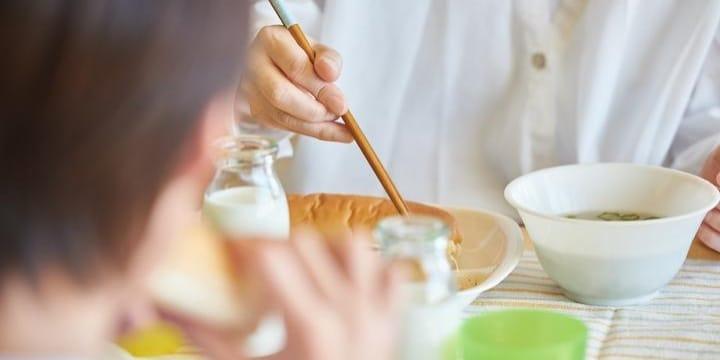 大磯町「まずい給食」異物混入の報告相次ぐ…業者の法的責任は?