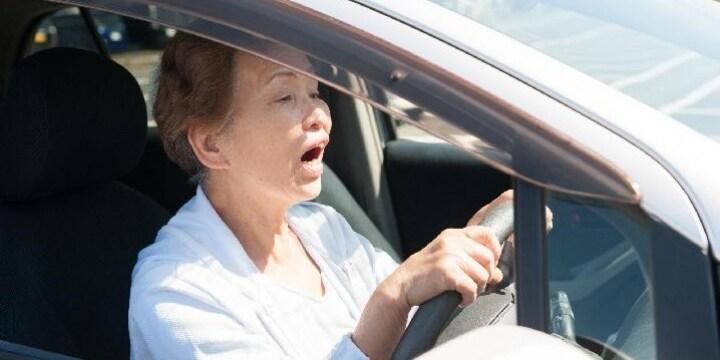 高齢ドライバー対策、自動ブレーキ車など「限定条件付き免許」…導入への課題