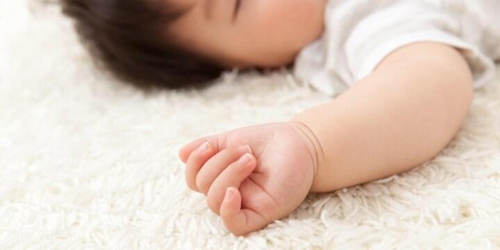 「乳幼児揺さぶられ症候群」で死亡、親の虐待なのか、冤罪なのか 弁護士らが検証