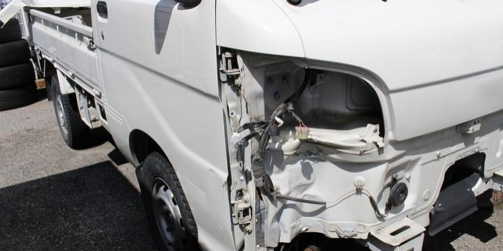盗難車で「無免許運転」の中学生が事故、荷台にいた男子生徒死亡…刑事責任は?