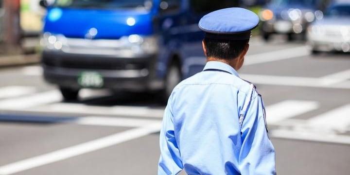 商業モールの警備員「公道での強引誘導」に運転手から不満の声…解決には何が必要?