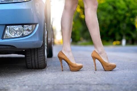 「サンダルで運転したら罰金6千円とられた」ドライバーはご用心、意外なNGシューズ