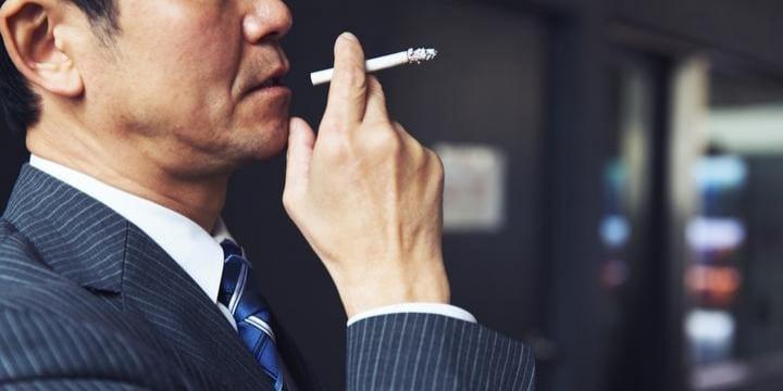 「喫煙者は一切採用しない」こんな企業の方針は「差別」にあたらないのか?