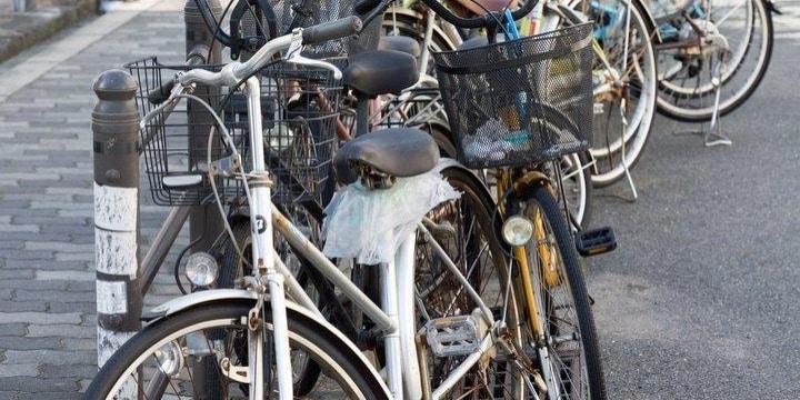 マンション管理組合、違法駐輪の続発に苦悩…勝手に撤去したら犯罪になる?