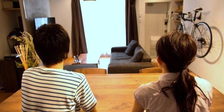 同棲中の彼氏が浮気して出て行った!…2人で使っていた家具や家電は売ってもいい?