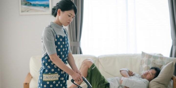 熟年だけでない「夫源病」の実態 夫が家にいるだけで「気が狂いそう」「動悸がヤバい」