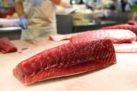 高嶋ちさ子さんが赤坂で遭った謎の「魚詐欺」、犯罪だったのか?