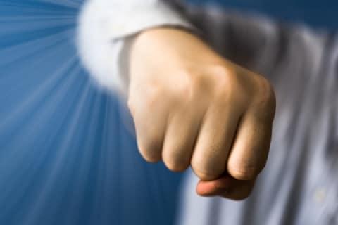バイト先で殴られた格闘家、「対抗する力あるでしょ」と示談金提示が少額に