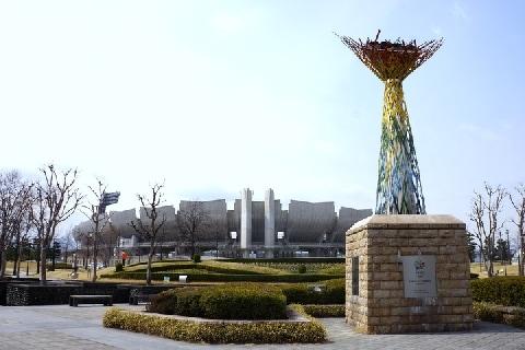 長野五輪の廃れた施設、ポケモン守る聖火台…東京五輪は「負の遺産」になる?